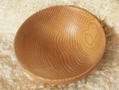 Bol en bois de frêne, réalisé au tour à bois