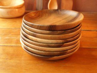Assiettes en bois de noyer