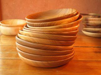 Assiettes en bois de merisier