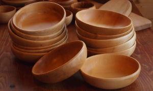 Assiettes creuses en bois