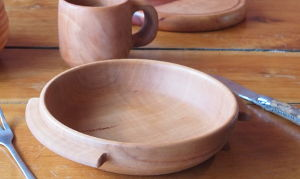 Assiettes médiévales en bois