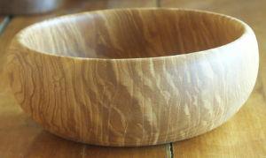 Gros bols en bois