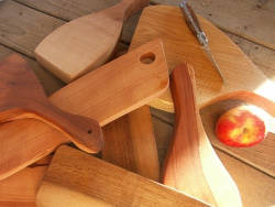 Planche à découper en bois à ma façon, artisanale bien sûr!