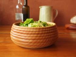 Plat en bois et saladier en bois, pour une présentation naturelle!